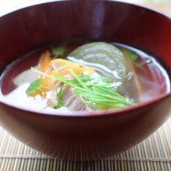 新玉葱とむつみ豚の沢煮椀